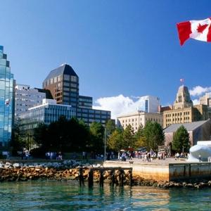 不同阶段留学加拿大,学费是多少?