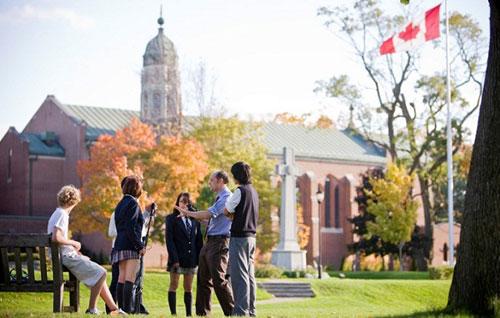 去加拿大留学读高中要注意哪几个要点?