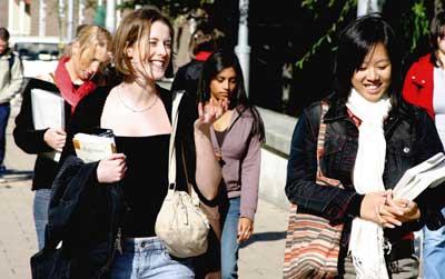 英国高中留学一年费用要多少