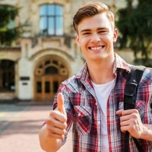 申请英国本科留学 A-Level&预科应该选择哪个?