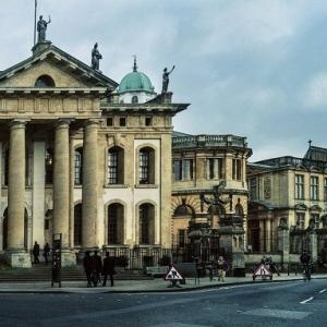 英国UCL部分专业费用涨至最高 英国院校申请费用汇总