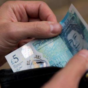 英镑汇率飙升 去英国留学花费涨了吗