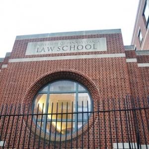美国法学院就业率最高的十所院校推荐