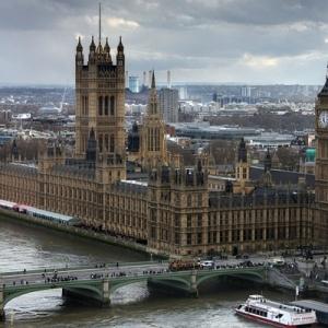 去英国读研究生一年需要多少钱
