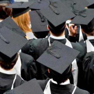 考研季撞上留学申请季 该如何抉择