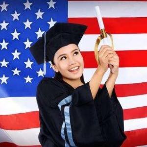 美国硕士留学一年费用解析