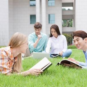 留学生们对自己的命运是如何思考的