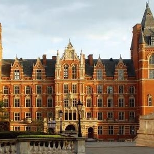 英国毕业生收入最高的top10院校