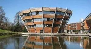 英国大学申请人数暴增,部分学校提前开放申请