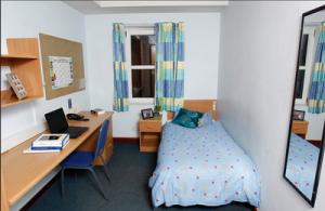在英国留学生活如何选择住宿?