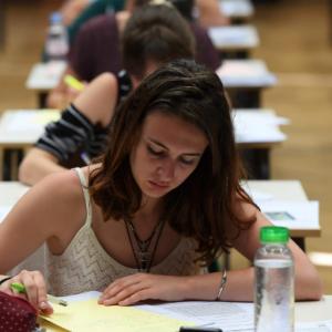 简要介绍英国大学的几种考试形式