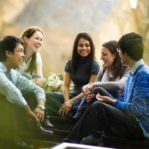 高中生出国留学申请途径