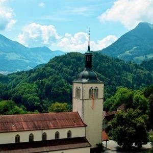 瑞士留�W���W金申��l件和注意事�